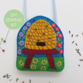 Bee-Hive-Craft-Kit - website with tag